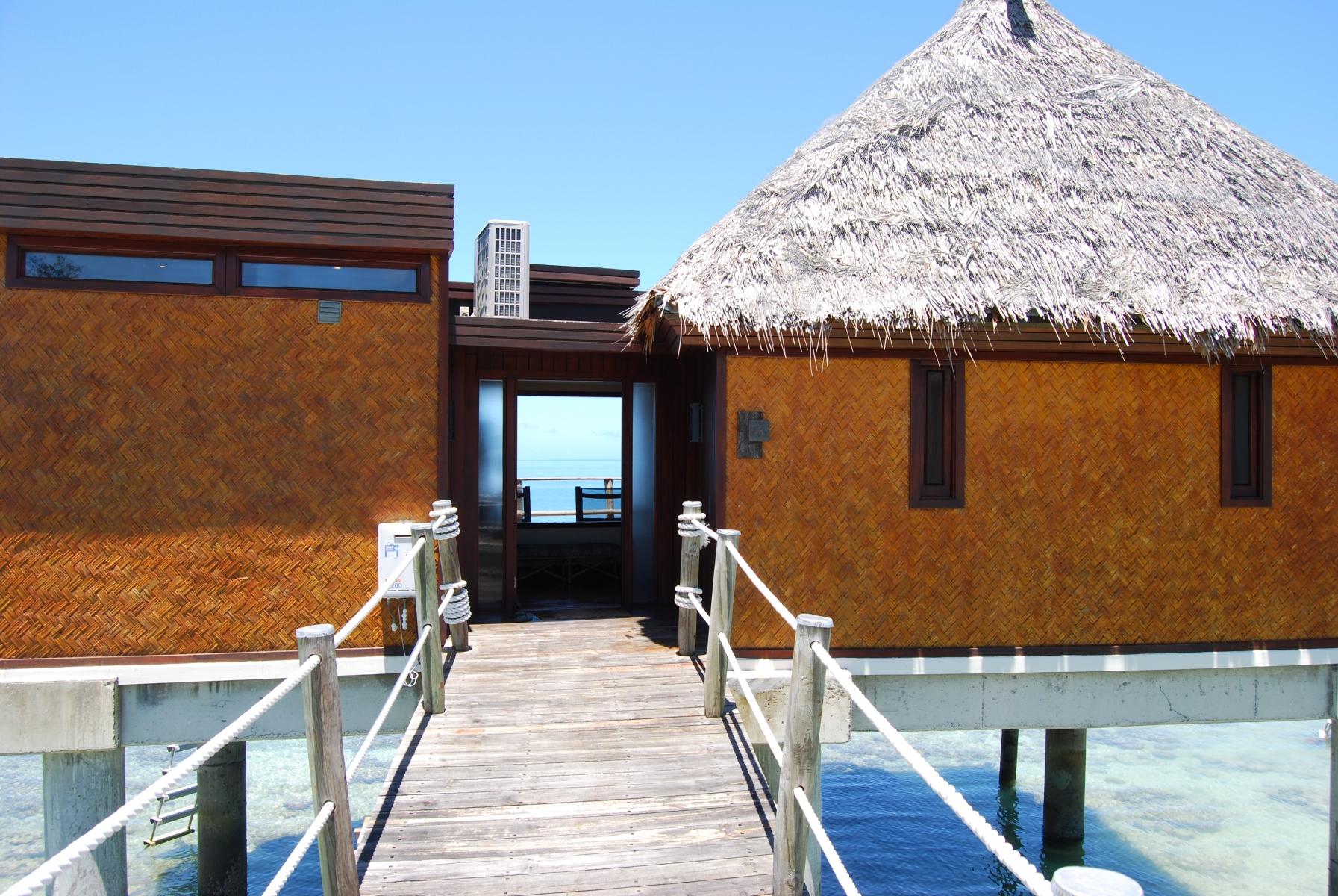 Likuliku-Lagoon-Resort-Fiji-2-1-2011-1-29-04-PM