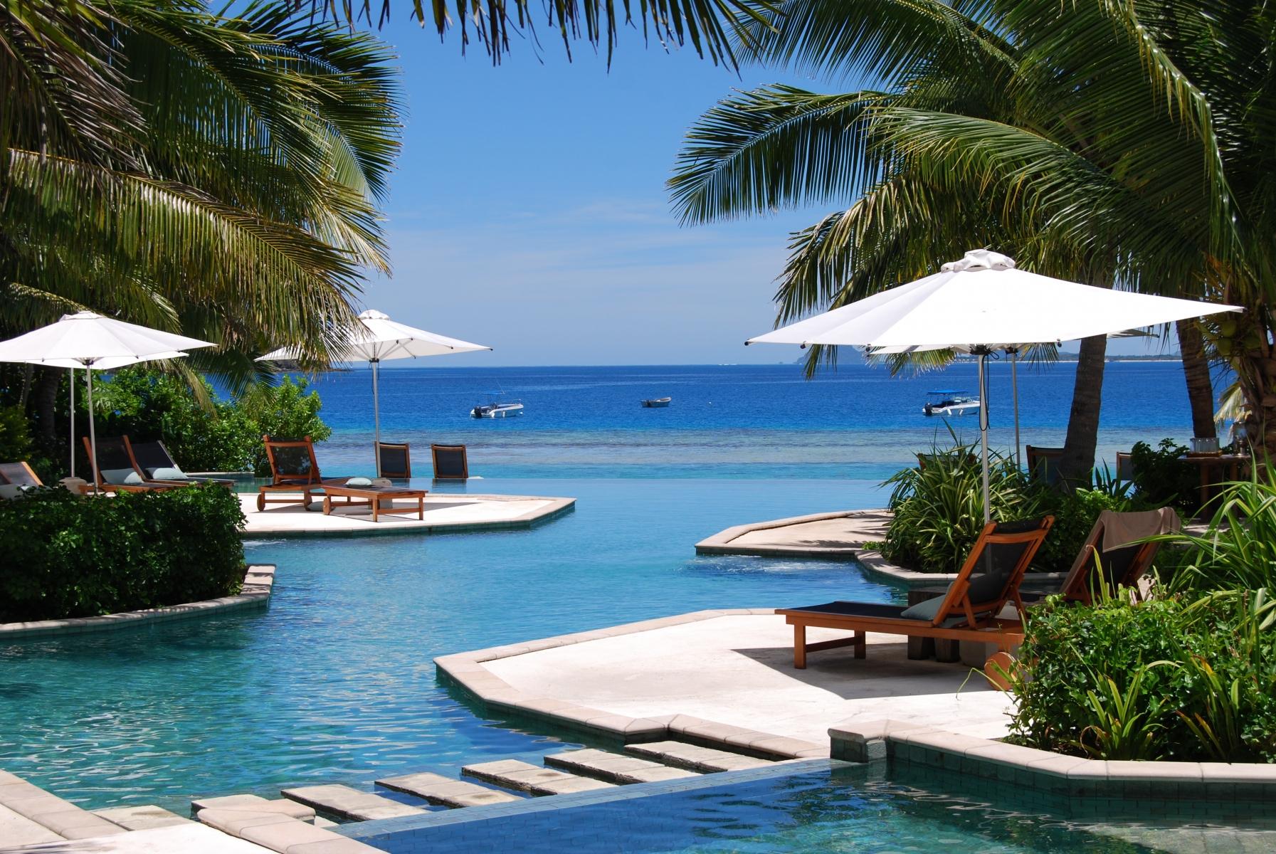 Likuliku-Lagoon-Resort-Fiji-2-1-2011-1-48-30-PM